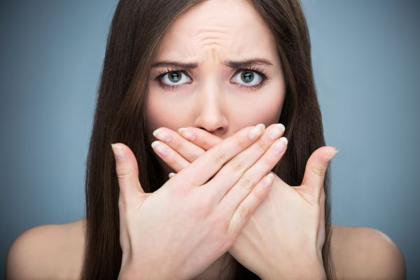 How To Avoid Bacteria That Causes Bad Breath